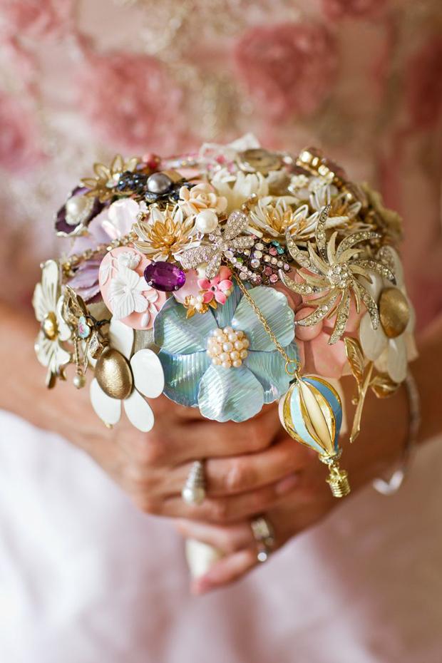 cute-e-colorida-nupcial-broche-bouquet