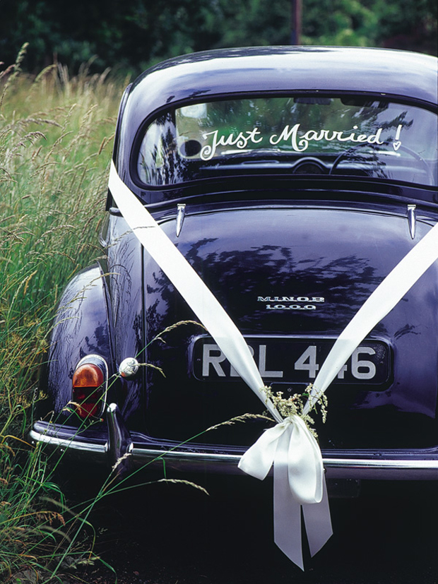 10 Gorgeous Ways To Decorate Your Wedding Getaway Car