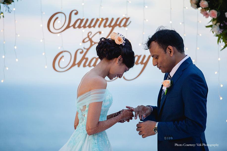 Saumya and Shatanjay, The Ungasan Clifftop Resort, Bali