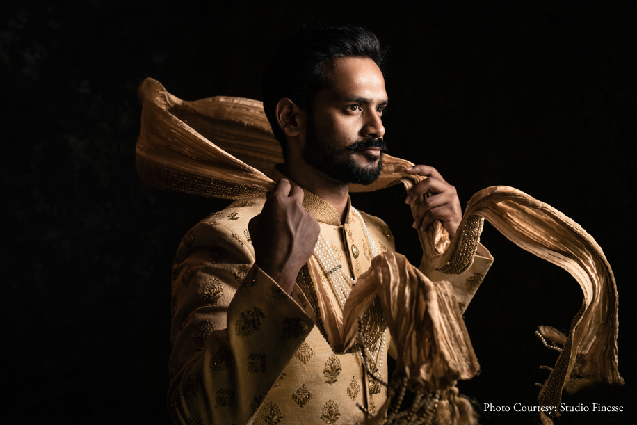 Shrey & Shivali's Post-Wedding Photo Shoot was Dramatic & Dreamy, with a touch of Bollywood.