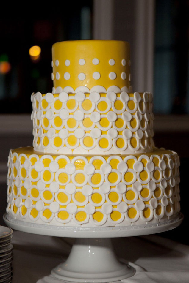 Yellow Wedding Cake Inspiration Yellow Wedding Cake     Cake Design by Exquisite Desserts  Photo Source      Christine Arnold PhotographyPin it