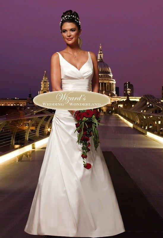 Bruidsjurken Tot 500 Euro.Favoriete Trouwjurken Onder 500 Euro Van Loves 2 Love