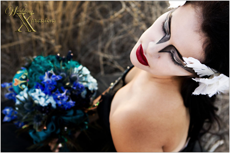 black swan bridal boquet