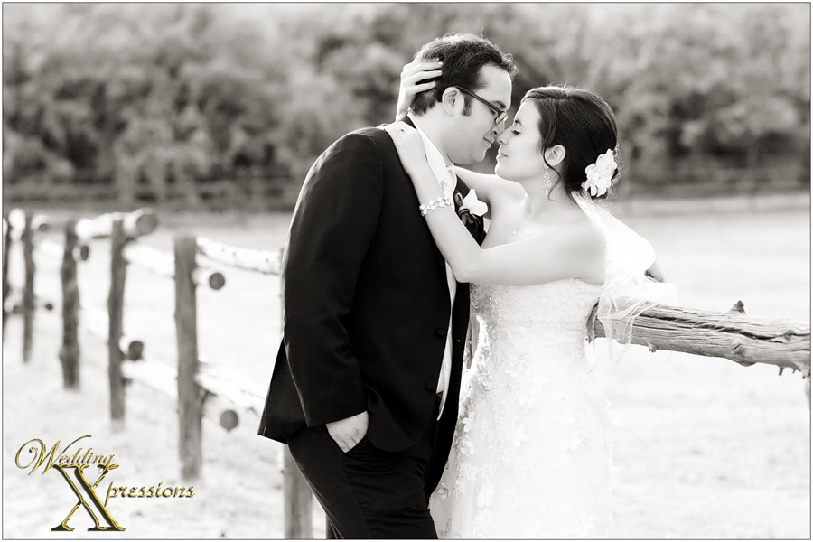 B&W wedding photographer in El Paso, TX
