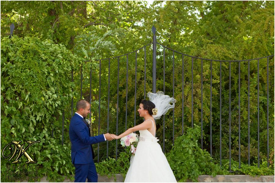 El Paso photographer captures wedding first look