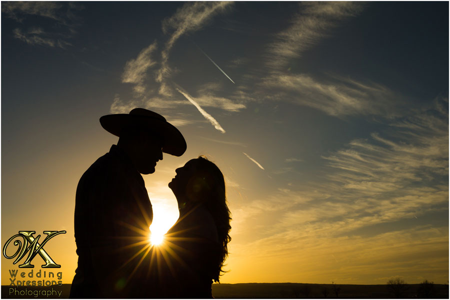 sunset engagement photography in El Paso