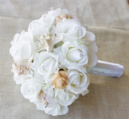 Seashells Amp Natural Touch Off White Roses Beach Wedding