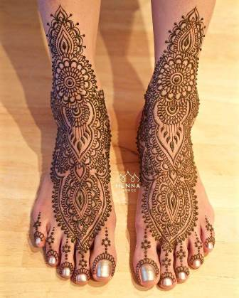 bridal mehendi for legs