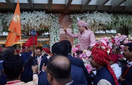 Akash Ambani Entry