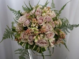 fresh flower bouquet 41 640x480