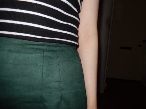 Pleat detail sans waistband.