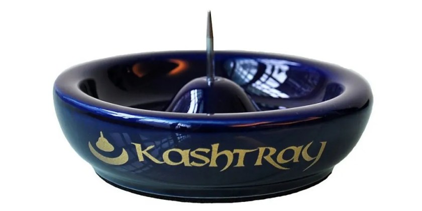 Kashtray ashtray with a poker for pipes