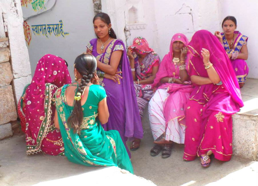 Ladies in waiting, Pushkar