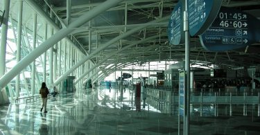 Hall Depart Aeroport Porto - Portugal