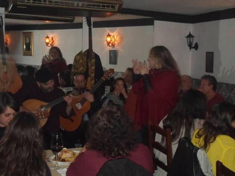Guitaristes - Chanteurs - Clients - Restaurant de Fado A Rampinha - Porto