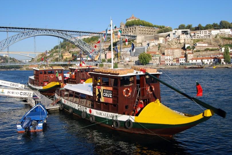 Bateau traditionnel pour mini croisere sur le Douro - Porto