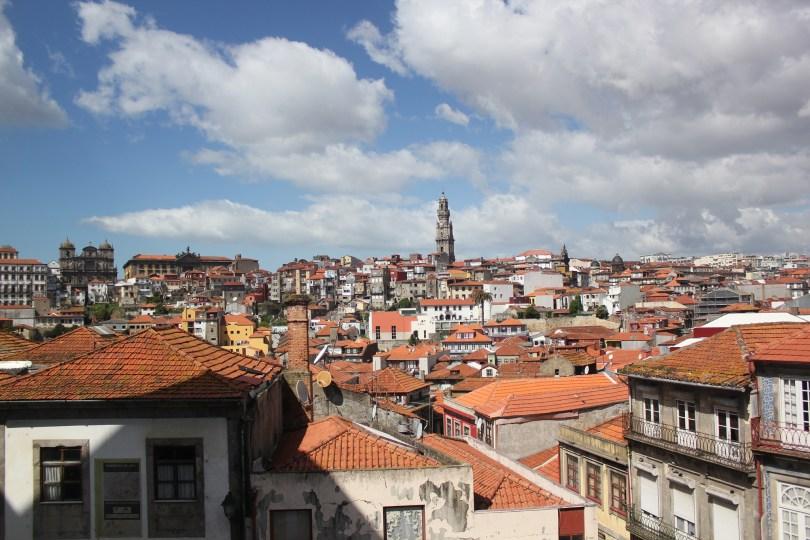 Vue depuis esplanade cathedrale Porto