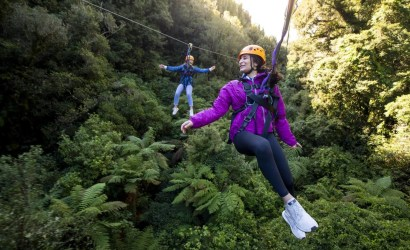 race your buddy in the dual zipline at rotorua canopy tours