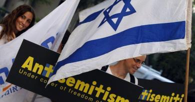 Biased media versus Jews and Israel