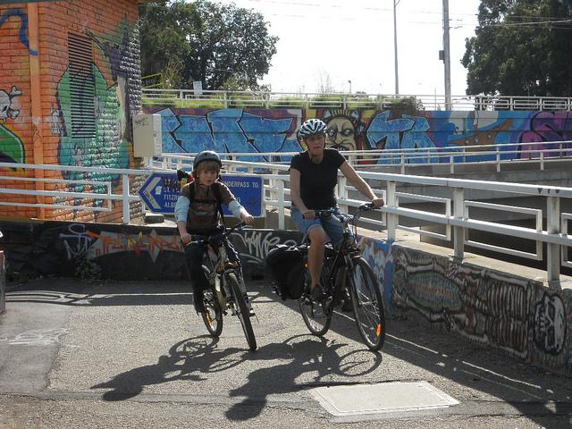 Vélo et port du casque obligatoire, relance du débat pour 2013 ?