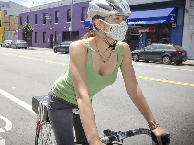 Masque anti-pollution, une solution pour éviter la pollution urbaine à vélo