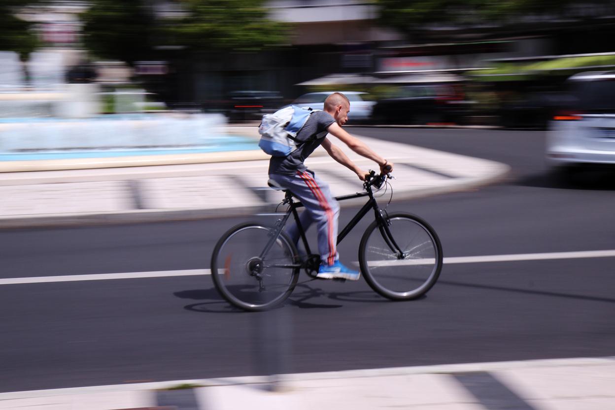 Cyclistes, priorité aux piétons (bordel) !
