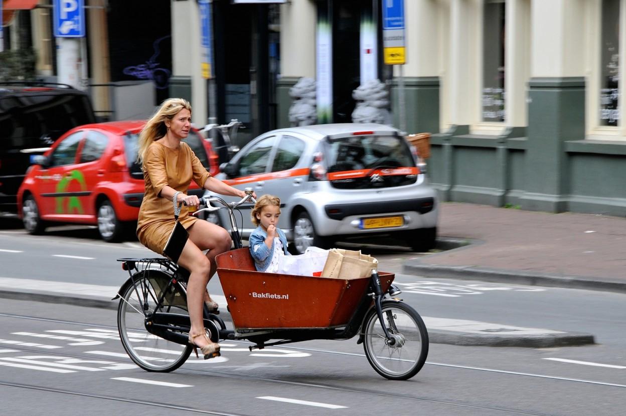 Triporteur, biporteur, une nouvelle façon de se déplacer en ville, avec Amsterdamer