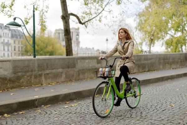 Paris veut controler l'envahissement des vélos en free floating