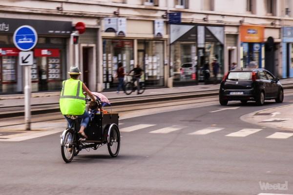 Faut-il être fluo à vélo ?