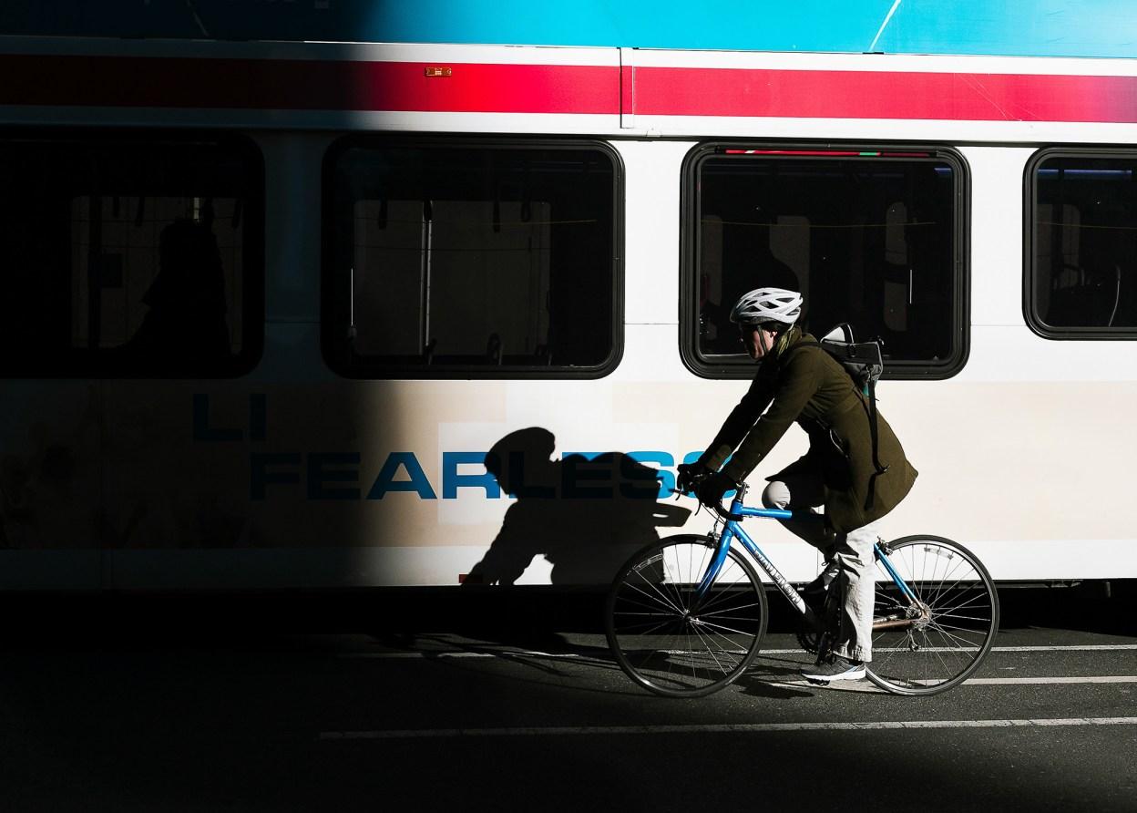 Forcer les cyclistes à porter un casque est une mauvaise idée