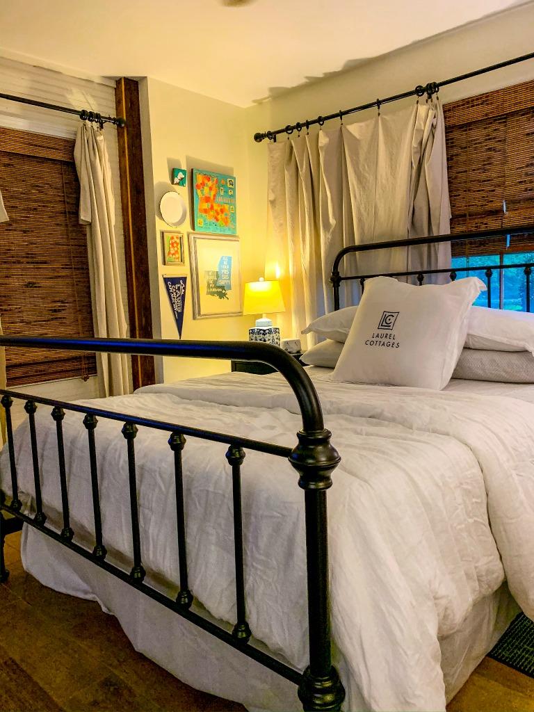 The Laurel Cottages bedroom