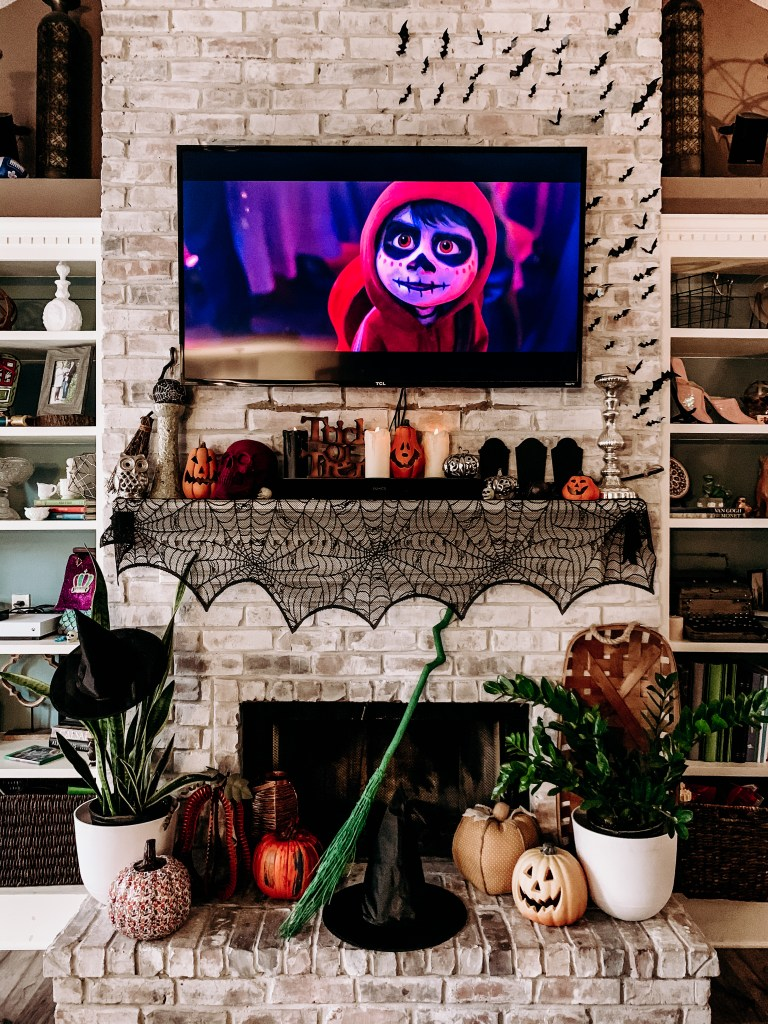 Black and orange mantle with bats