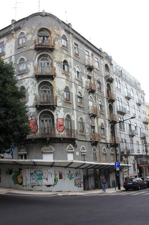 Häuserfronten in Lisboa