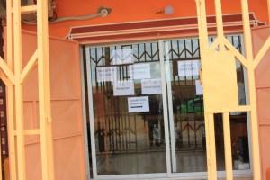 Cyber-Cafe außen