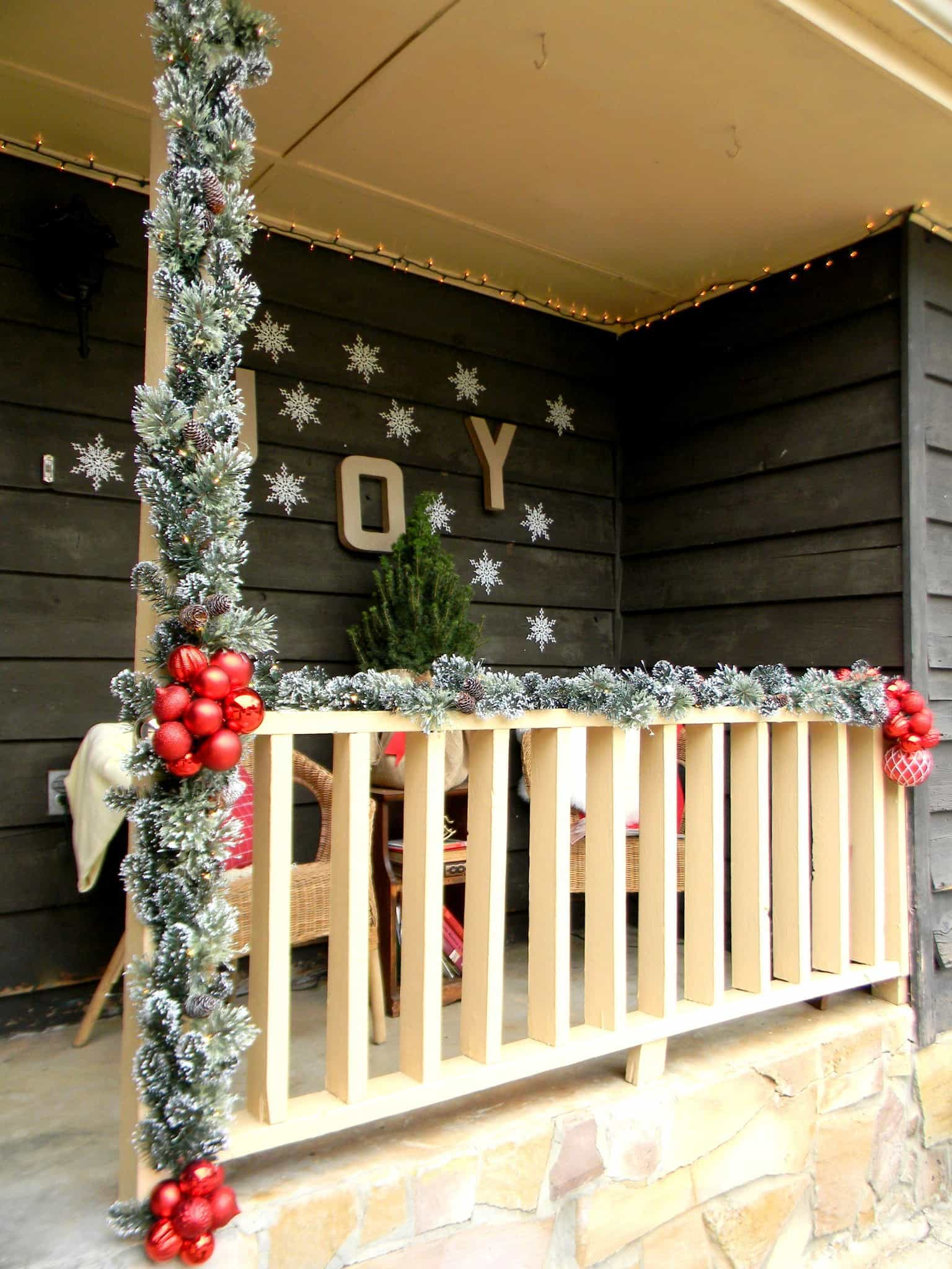 Christmas Decorating Ideas for Your Porch on Patio Decorating Ideas With Lights  id=58204