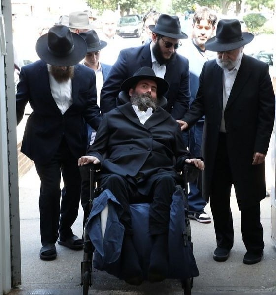 Rabbi suffering from ALS makes cross-country trip for son's bar mitzvah