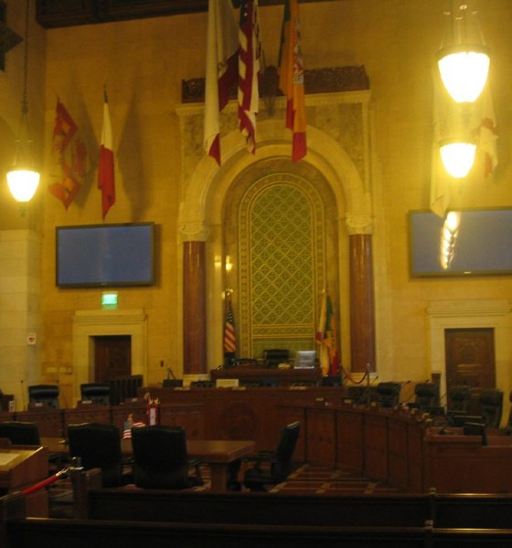 Los Angeles City Council Chambers (credit: Mr. Littlehand/Flickr)