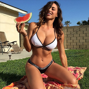 anacheri-gains-watermellon-bikini