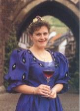 Stefanie als Gebietsweinkönigin