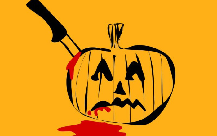 Jack-o-Lantern with knife