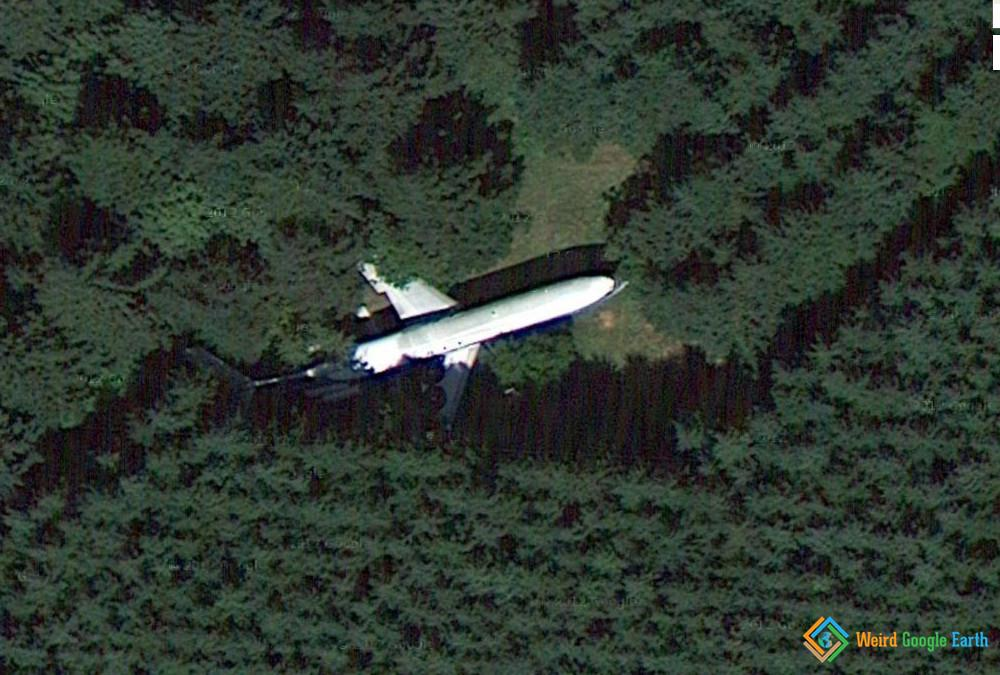 Plane in the Woods Turned Into a Home