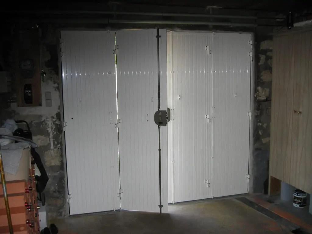 la porte de garage pliante weisz