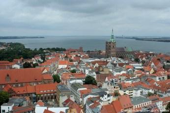Stralsund_Altstadt_Marienkirche_Turmblick_Nikolaikirche_BisHiddensee