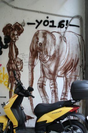 Athen_Graffiti_Elefant_mit_Dame
