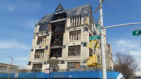PS 31 still standing as of April 21st, 2014 / ©welcome2thebronx.com