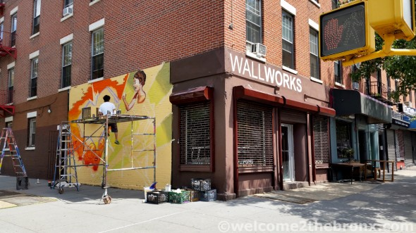 WallWorks NY, located at 39 Bruckner Boulevard on the corner of Alexander Avenue is situated on one of the most highly visible intersections in The Bronx.  Thousands of cars drive by daily on their way into Manhattan from The Bronx, Westchester, Connecticut and points North.