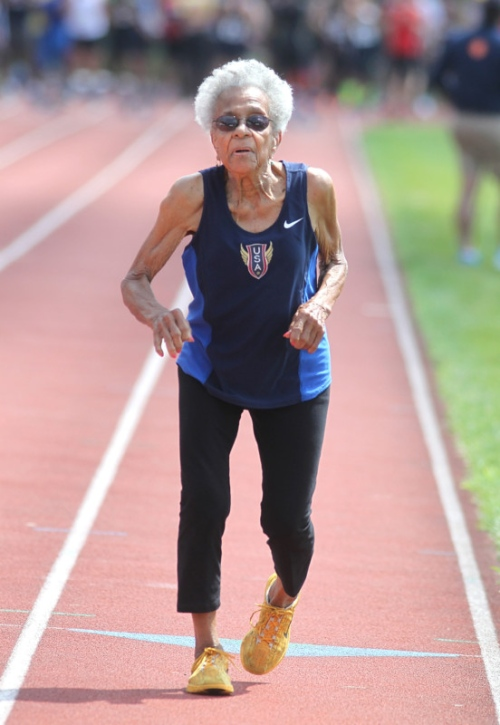 Watch 101 Year Old Bronx Woman And Runner An Inspiration