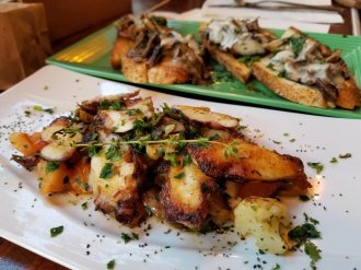 Grilled octopus (below) and bruschetta funghi e fontina are some of the perfect appetizers to get you started.