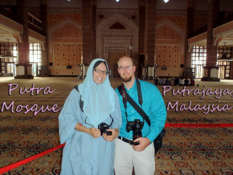 Selfies Through Asia | Putra Mosque, Putrajaya, Malaysia | www.welcometoerinsworld.com