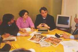 Con il direttore di VilaWeb, Vicent Partal, stato esaminato lo sviluppo delle iniziative editoriali nella rete dopo la crisi degli ultimi anni. Vilaweb è il terzo giornale elettronico di Barcellona e nel ossimo mese di settembre darà vita ad un quotidiano stampato. Le statistiche ufficiali di diffusione dell'Ojd, che in Spagna è l'organismo che esamina le cifre di vendita dei quotidiani ai fine della pubblicità, attribuisce a Vilaweb una diffusione leader in Catalogna, con circa 400.000 utenti al mese.